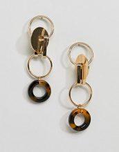 ASOS DESIGN - Orecchini pendenti in metallo con ciondolo stile puzzle - Oro