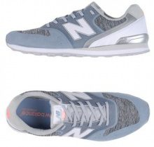 NEW BALANCE 996 SOPHISTICATED HYBRID - CALZATURE - Sneakers & Tennis shoes basse - su YOOX.com
