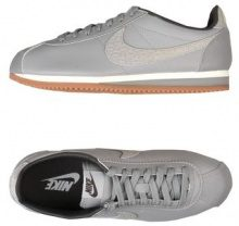 NIKE CLASSIC CORTEZ LEATHER LUX - CALZATURE - Sneakers & Tennis shoes basse - su YOOX.com