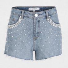 Shorts in denim scolorito sfilacciato e perle fantasia