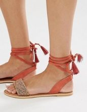 New Look - Sandali piatti allacciati alla caviglia con perline