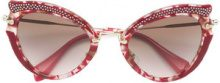 Miu Miu Eyewear - Occhiali da sole cat-eye con decorazione in cristallo - women - Acetate/metal/Crystal - 52 - RED