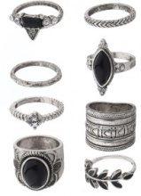 Set di 8 anelli stile vintage