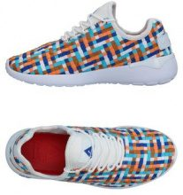 ASFVLT  - CALZATURE - Sneakers & Tennis shoes basse - su YOOX.com