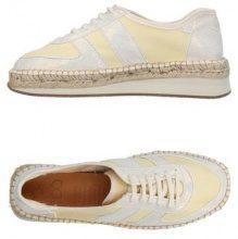 NAGUISA  - CALZATURE - Sneakers & Tennis shoes basse - su YOOX.com