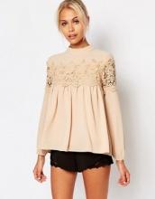 Fashion Union - Graziosa blusa in pizzo