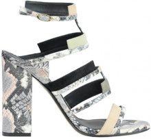 Sandali in pelle stampa rettile
