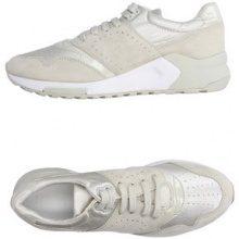 GEOX  - CALZATURE - Sneakers & Tennis shoes basse - su YOOX.com
