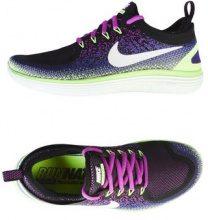 NIKE FREE RUN DISTANCE 2 - CALZATURE - Sneakers & Tennis shoes basse - su YOOX.com