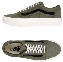 VANS UA OLD SKOOL PLATFORM EMBOSSED - CALZATURE - Sneakers & Tennis shoes basse - su YOOX.com