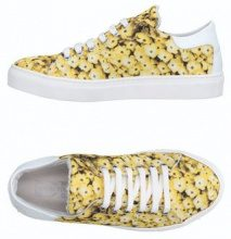 DIVINE FOLLIE  - CALZATURE - Sneakers & Tennis shoes basse - su YOOX.com
