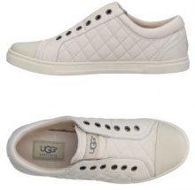UGG AUSTRALIA  - CALZATURE - Sneakers & Tennis shoes basse - su YOOX.com