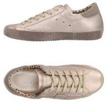 PHILIPPE MODEL  - CALZATURE - Sneakers & Tennis shoes basse - su YOOX.com