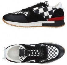GIVENCHY  - CALZATURE - Sneakers & Tennis shoes basse - su YOOX.com