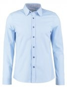 Pier One CONTRAST BUTTON SLIMFIT Camicia light blue/blue