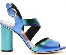 Sandali con stampa graffiata