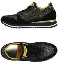D'ACQUASPARTA  - CALZATURE - Sneakers & Tennis shoes basse - su YOOX.com