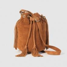Piccola borsa a secchiello, frange, pelle scamosciata
