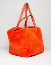 Shopper oversize in pelliccia sintetica arancione