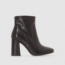 Boots in pelle con tacco svasato